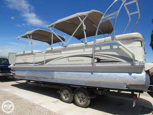 Used Bennington 2575 RL Pontoon Boat For Sale
