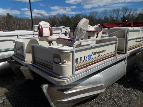 Used Crest Fisherman DL Pontoon Boat For Sale
