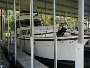 Used Chris-Craft 410 Commander Aft Cabin Boat For Sale