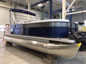 New Crest I 220L Pontoon Boat For Sale