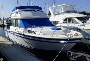 Used Fiberform 3300 Executive Flybridge Cruiser Boat For Sale