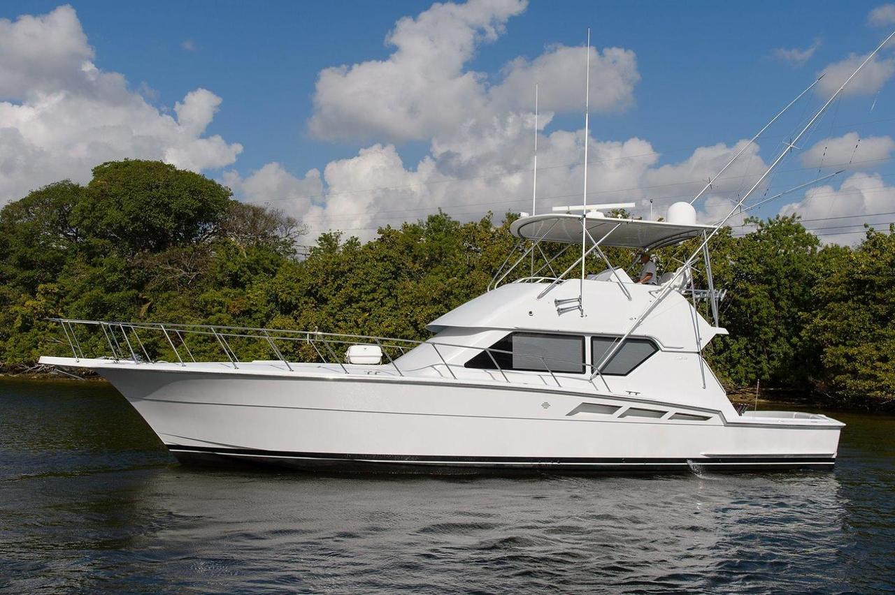 1999 used hatteras sports fishing boat for sale 250 000 for Hatteras fishing boat