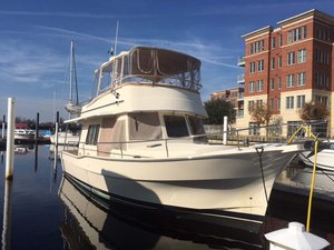 Used Mainship 400 Trawler Flybridge Boat For Sale