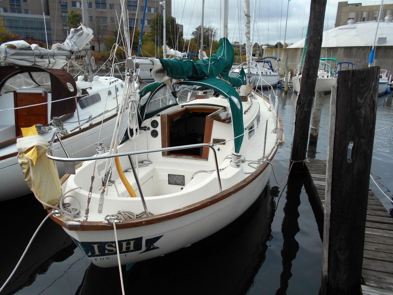 Boats For Sale In Ct >> 1980 Used Southern Cross 28 Cutter Sailboat For Sale - $12,900 - New London, CT   Moreboats.com