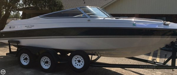 Used Four Winns Horizon 220 Bowrider Boat For Sale