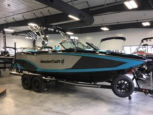 Used Mastercraft X-23 Ski and Wakeboard Boat For Sale