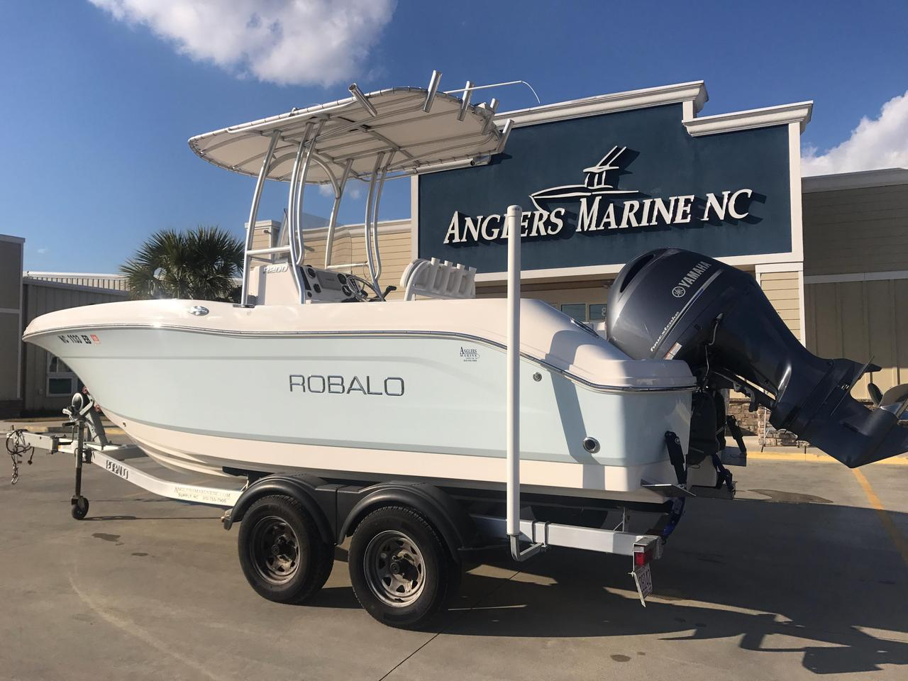 2015 used robalo r200 center console fishing boat for sale for Used fishing boats for sale in eastern nc