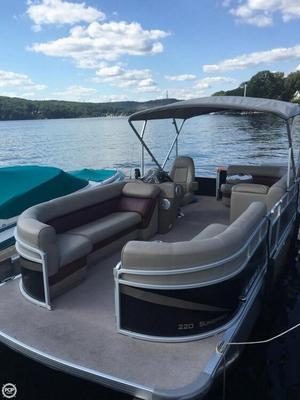 Used Premier Pontoons 220 Sunspree Pontoon Boat For Sale