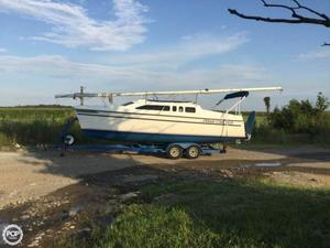 Used Hunter 26 Racer and Cruiser Sailboat For Sale