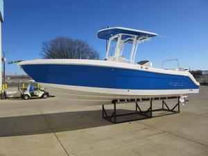 New Robalo R242 Center Console Saltwater Fishing Boat For Sale