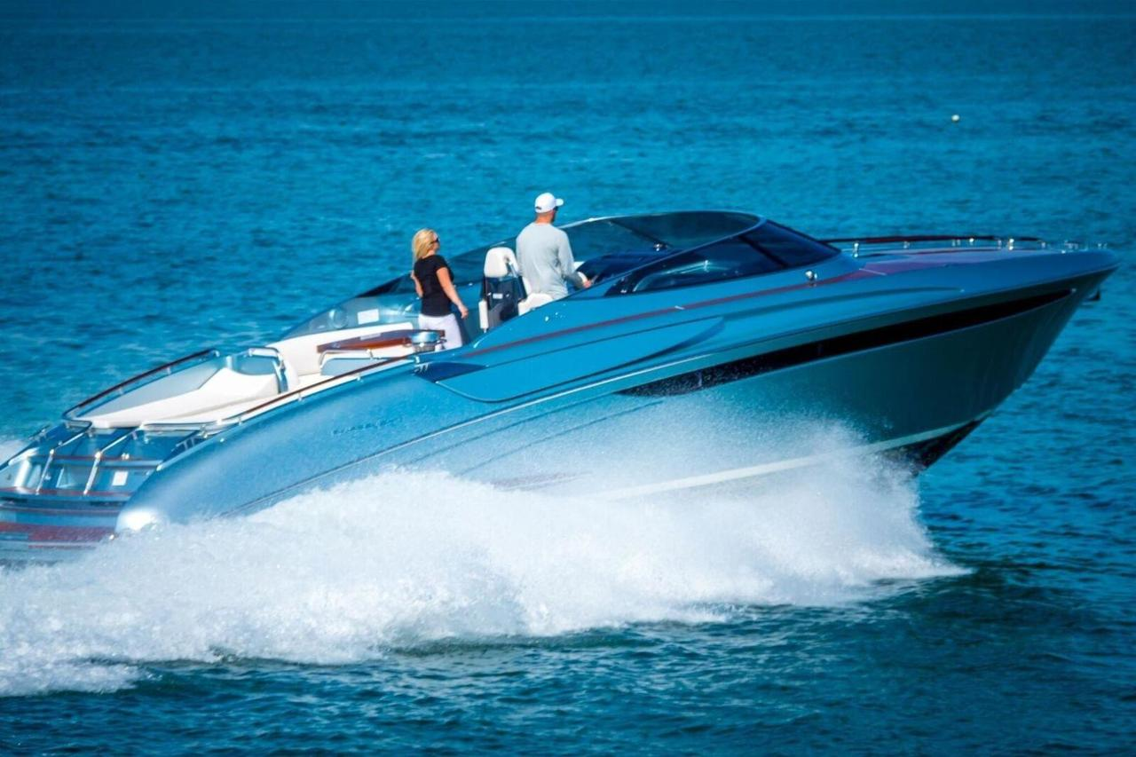 2015 used riva 44 rivarama cruiser boat for sale. Black Bedroom Furniture Sets. Home Design Ideas