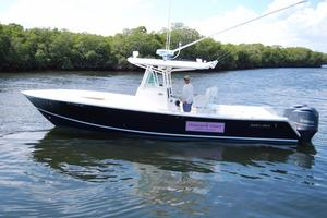 Used Regulator 32 Forward Seating Saltwater Fishing Boat For Sale