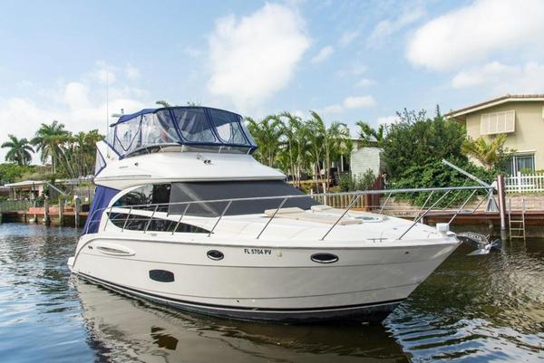 Used Meridian 391 Sedan Cruiser Boat For Sale