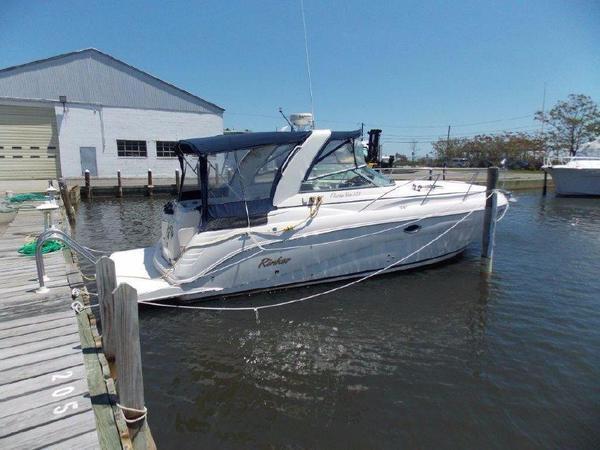 Used Rinker 320 Fiesta Vee Cruiser Boat For Sale