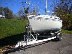 Used Catalina 25 Cruiser Sailboat For Sale