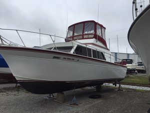 Used Marinette 32 Fisherman Convertible Fishing Boat For Sale