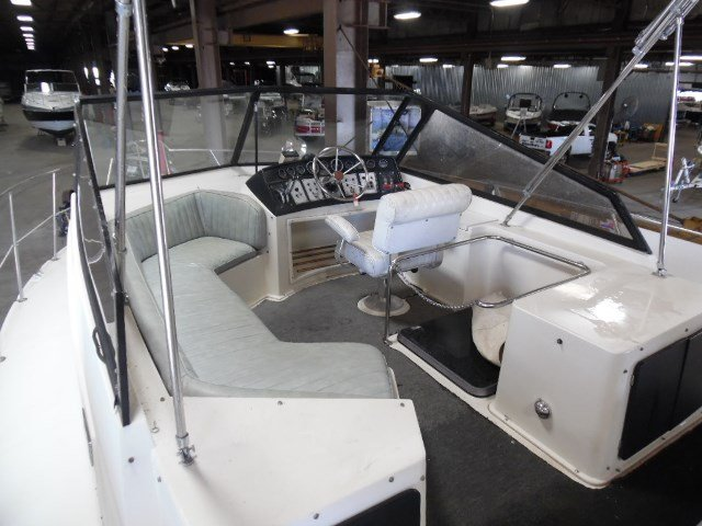 1987 used carver 32 mariner convertible fishing boat for for Used fishing boats for sale in wisconsin