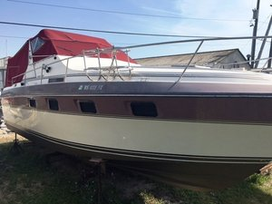Used Cruisers Yachts 3370 Esprit Express Cruiser Boat For Sale