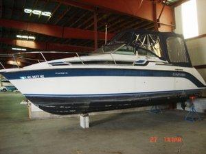 Used Carver 2357 Montego Express Cruiser Boat For Sale