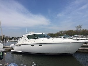 Used Tiara 4300 Sovran Sports Cruiser Boat For Sale