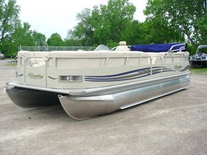 Used Bentley 250prestige/lc Pontoon Boat For Sale