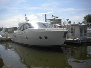 Used Carver 37 Coupe Motor Yacht For Sale