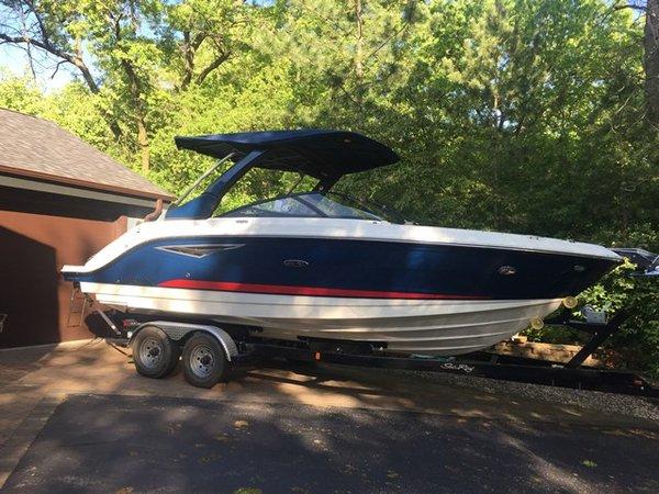 Used Sea Ray 250 SLX Motor Yacht For Sale