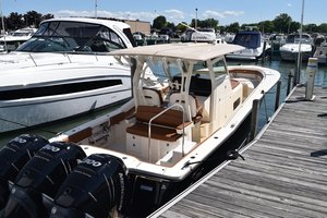 New Scout LXF 350 Center Console Fishing Boat For Sale