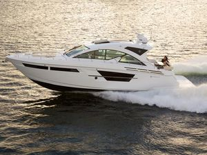 New Cruisers Yachts 54 Cantius Motor Yacht For Sale