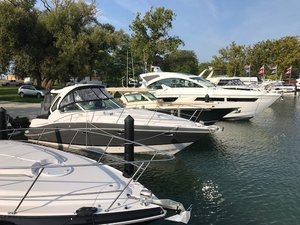 New Four Winns Cruiser Vista 355 Express Cruiser Boat For Sale