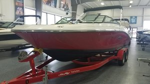 New Sea Ray SPX 230 OB Bowrider Boat For Sale