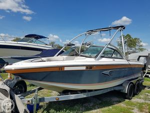Used Supra Launch 21V Ski and Wakeboard Boat For Sale