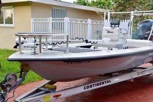 Used Maverick HPX-V 18 Motor Yacht For Sale