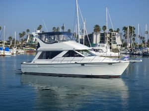 Used Bayliner 3988 Sedan Motor Yacht For Sale