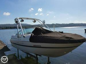 Used Maxum 2100SD Bowrider Boat For Sale
