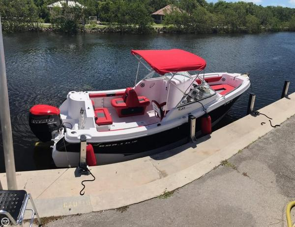 Used Pro-Line 23 Dual Console Cruiser Boat For Sale