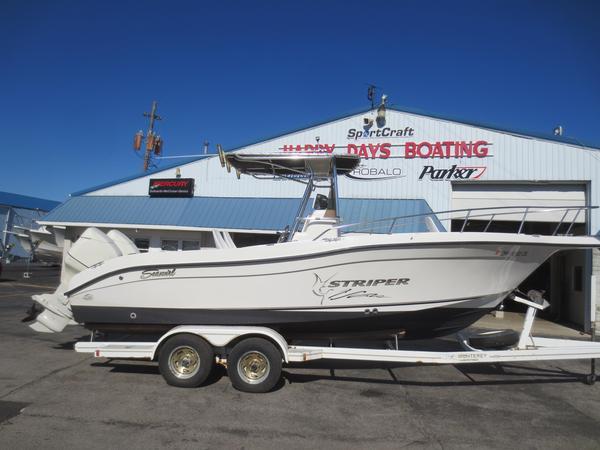 Used Seaswirl 2301 CC Freshwater Fishing Boat For Sale