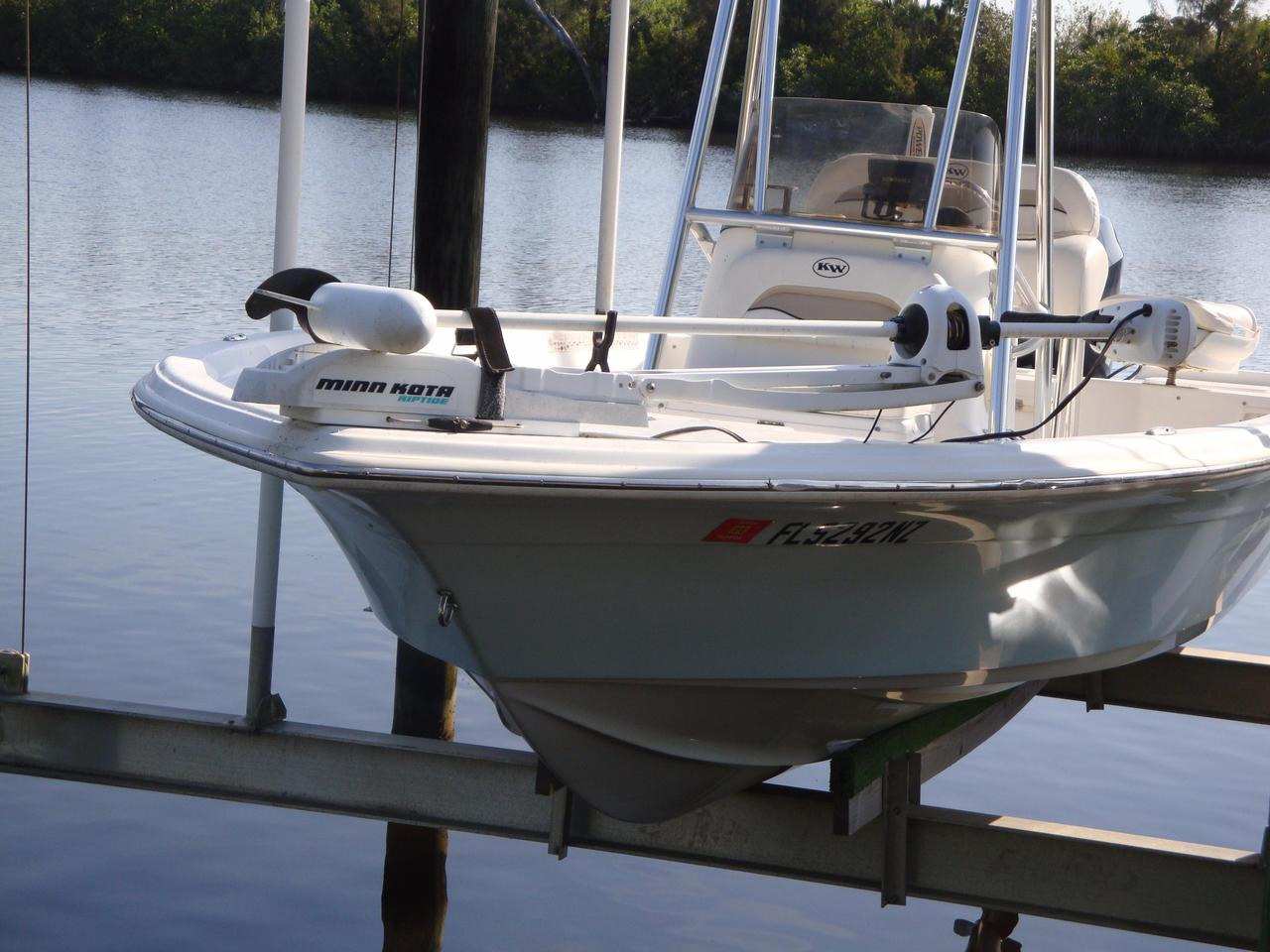 2010 used key west 216 bay reef216 bay reef saltwater for Key west fishing boats