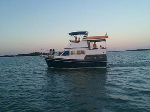 Used Marine Trader LaBelle Flybridge Boat For Sale