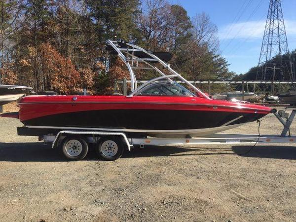 Used Moomba LSV High Performance Boat For Sale