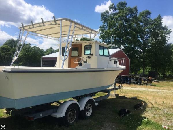 Used Parker Marine Sport Cabin 25 Pilothouse Boat For Sale