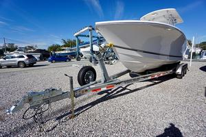 Used Regulator 28FS Center Console Fishing Boat For Sale