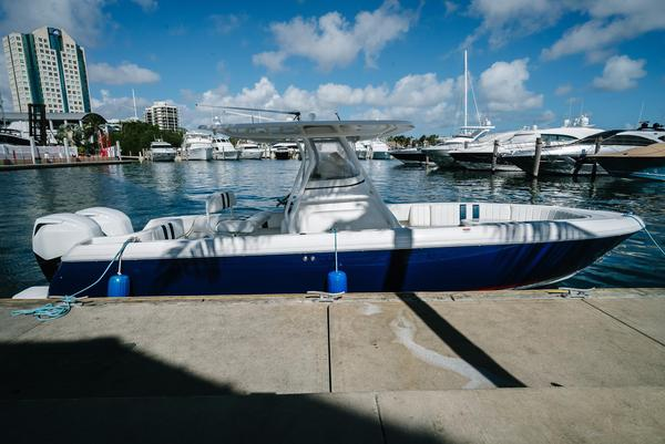 Used Intrepid 245 CC Center Console Fishing Boat For Sale
