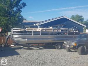 Used Sun Tracker Fishin Barge 24 DLX Pontoon Boat For Sale
