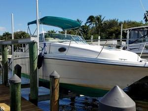 Used Rinker 265 Fiesta Vee Express Cruiser Boat For Sale