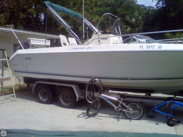 Used Sea Ray Laguna 24 CC Center Console Fishing Boat For Sale