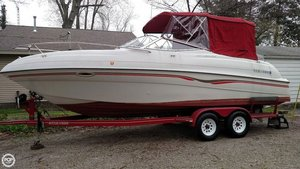 Used Four Winns 245 Sundowner Ski and Wakeboard Boat For Sale