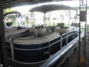Used Manitou 25 Oasis SR-VP Tritoon Pontoon Boat For Sale