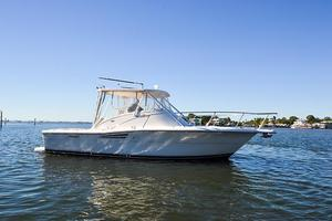 Used Pursuit 3000 Offshore Express Cruiser Boat For Sale
