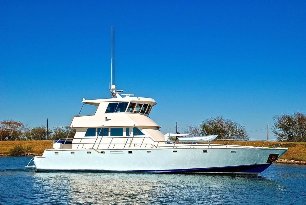 2001 used infinity cockpit motor yacht sports fishing boat for Used fishing boats for sale in houston